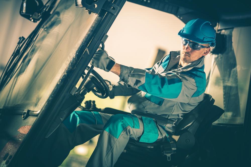 Understanding the Challenges of Transporting Heavy Equipment